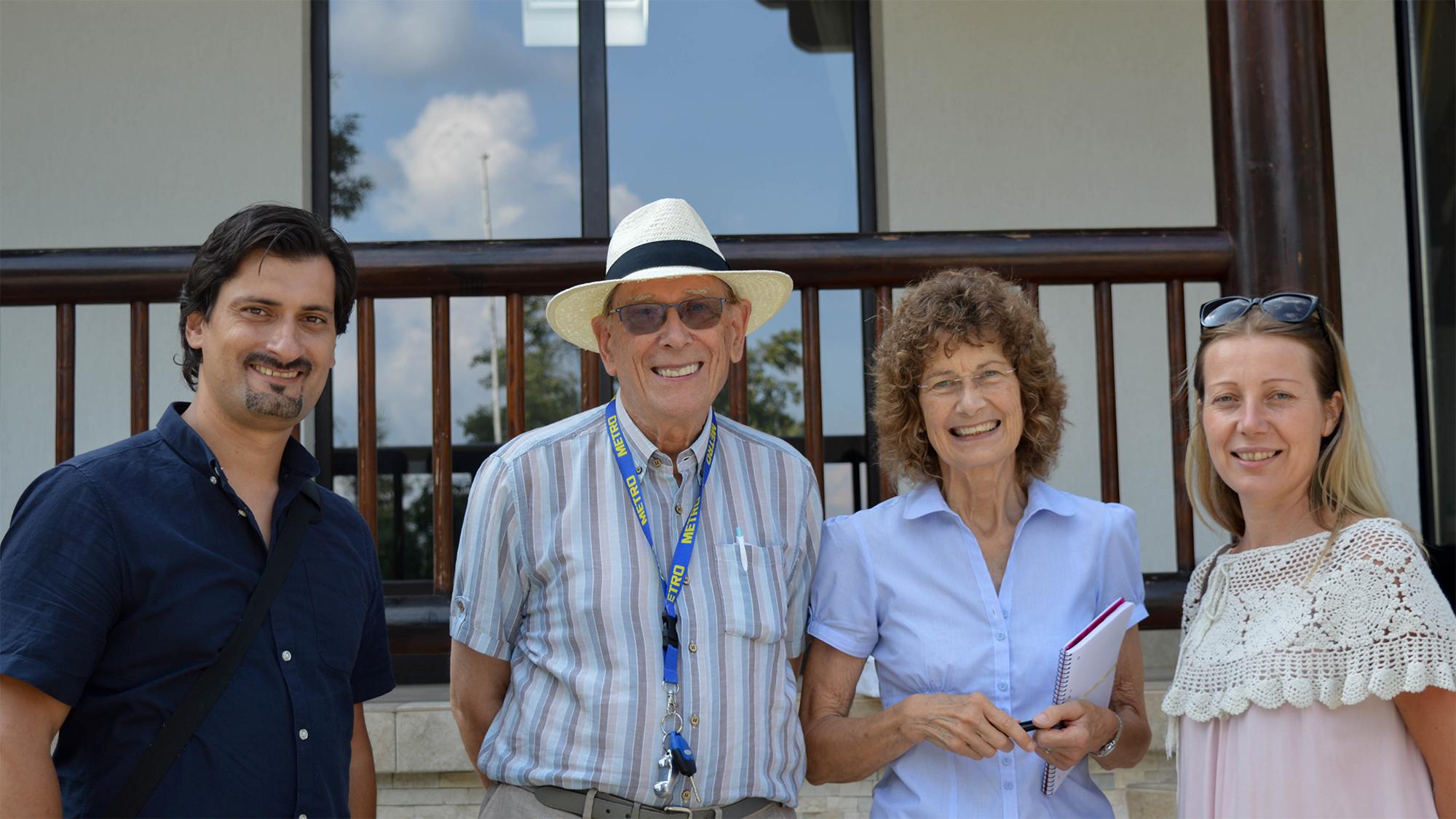 Eric és Rosemary Barrett, valamint Nagy-Kasza Dániel és Lona