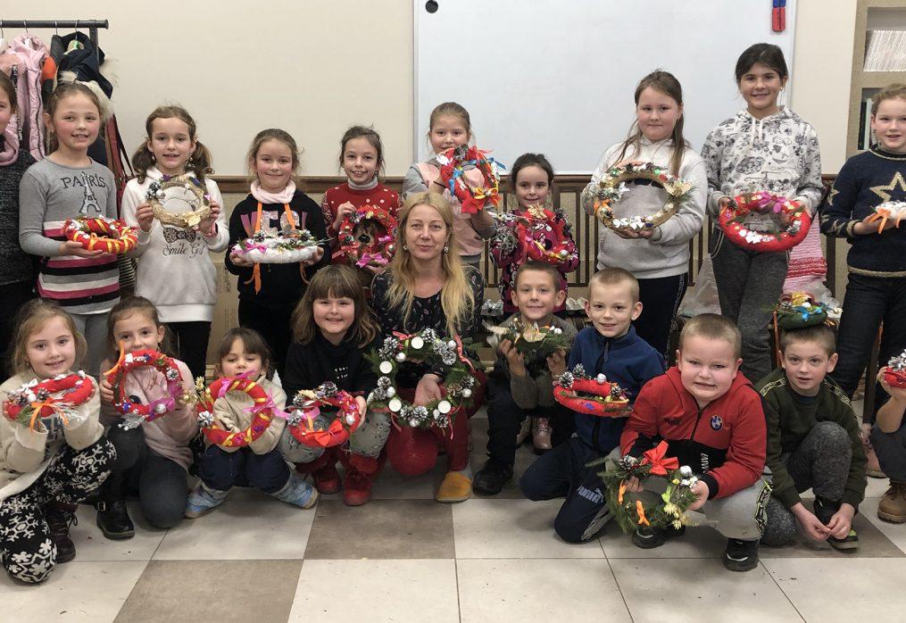 Adventi koszorú készítés gyerekekkel