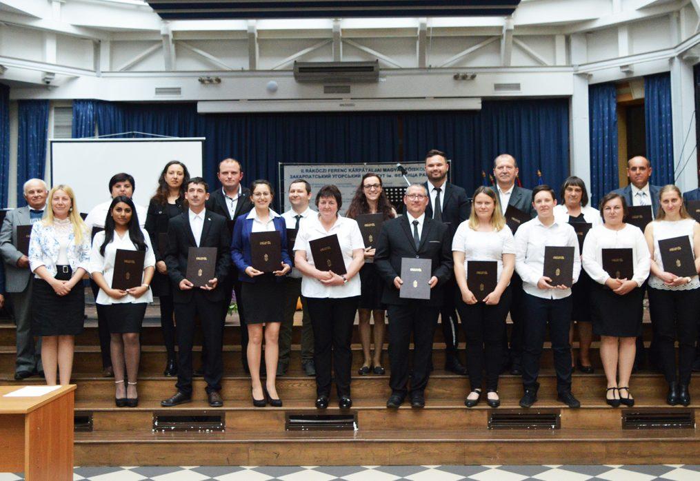 Diplomaátadó ünnep Kárpátalján